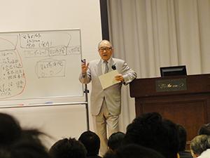「人の成長が組織の成長」と話す浮舟総長
