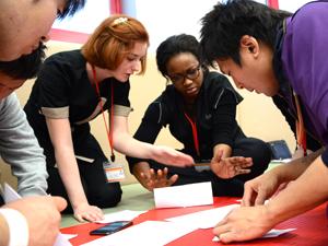 在校生交流:作戦会議:一番飛ぶ飛行機を作ろう!