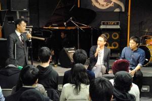 在学中の思い出話から話題は海外での音楽活動へ